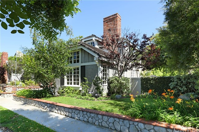 Photo of 520 Carnation Avenue, Corona del Mar, CA 92625