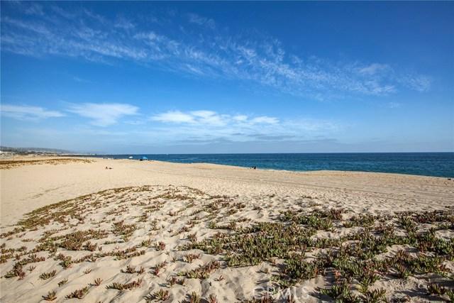 Photo of 1556 E Oceanfront, Newport Beach, CA 92661